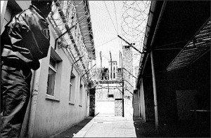Politique migratoire du gouvernement : une politique d'affichage à but électoraliste dans Manipulation arton2048-9d325-300x197