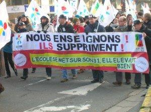 Grève des enseignants contre les suppressions de postes et la réforme de l'évaluation dans Education nationale 438-300x224