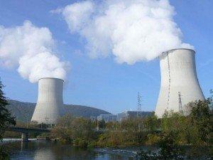 Les coûts de la filière nucléaire dans Nucleaire les_ecologistes_reclament_un_debat_sur_le_nucleaire_en_france_2_credit_mossot-300x225