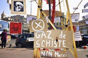 François Hollande et le gaz de schiste : P'tet ben qu'oui, p'tet ben que non... dans Environnement marcovdz-300x199