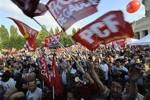 Marseille : la droite sarkozyste veut empêcher le meeting du Front de Gauche dans Front de Gauche meeting-du-front-de-gauche-a-paris-29-juin-2011-300x199