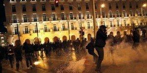 Grèce : violences policières contre les médias dans Austerite grece45-300x150