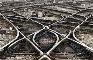 Délocalisation du service informatique SNCF : 500 emplois menacés d'ici 2013  dans CGT 2010-04-09T061525Z_01_APAE6380HDR00_RTROPTP_2_OFRTP-FRANCE-SNCF-GREVE-20100409-300x195