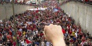 Québec : Victoire du mouvement étudiant après six mois de lutte dans Canada 2012-09-06quebec-etudiants-manif_0-300x150