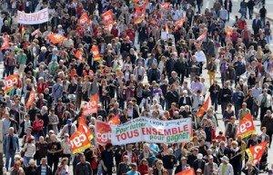 L'agenda social oublié par le président dans F. Hollande 318851_manifestation-du-1er-mai-a-lyon-300x193