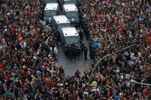 Manifestation anti-austérité à Madrid : heurts entre Indignés et policiers dans Austerite espagne8-300x199