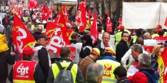 Défense de l'industrie et de l'emploi : plusieurs dizaines de milliers de manifestants ont répondu à l'appel de la CGT dans CGT une_25
