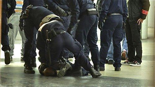 Violences policières, ça continue ! dans France coups