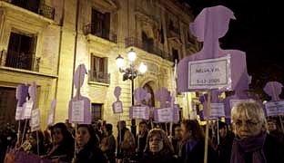 Espagne : Le retour des femmes au foyer ? dans Droits des femmes 25n