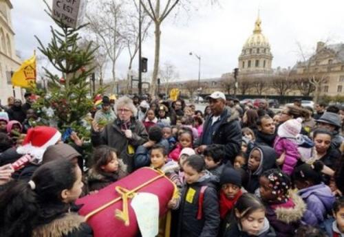 Manifestation des mal-logés devant le ministère du Logement dans France logement1