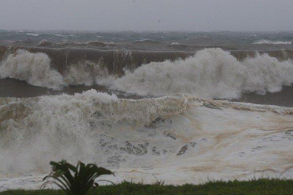 Cyclone Dumile - La Réunion dans l'Humanité cyclon