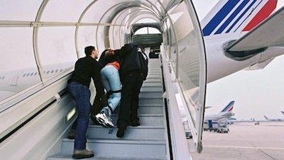 Au moment où François Hollande présentait ses voeux, Ahmed était expulsé