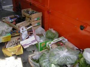 Grande distribution et gaspillage alimentaire dans CONSO gaspillage