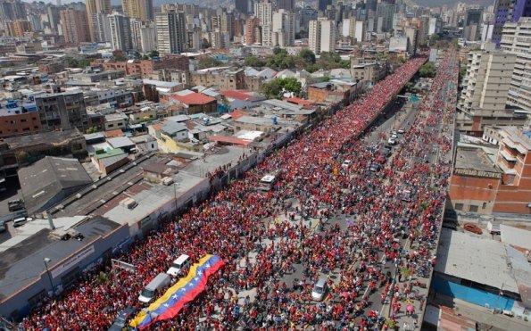 chavez6 Hugo Chavez dans Venezuela