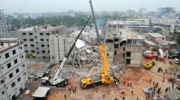 Bangladesh : plus de 380 morts et des centaines de disparus dans l'immeuble effondré dans Bangladesh capturebangladesh