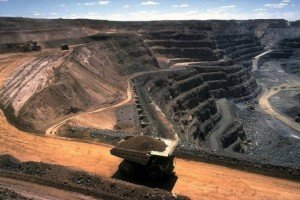 « Les pollutions engendrées par l'industrie minière représentent un danger pour les décennies à venir » dans Environnement mines-300x200
