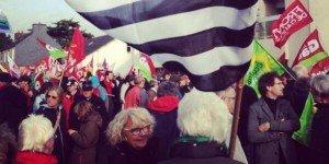 A Carhaix, on ne défilait pas avec les licencieurs, on manifestait pour l'emploi ! dans ECONOMIE carhaix4-300x150